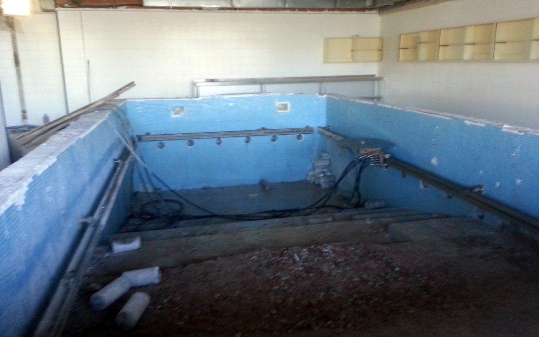 Corte de piscina